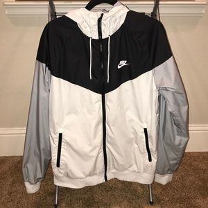 Nike windbreaker sz L